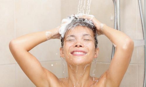 Allergie au chlore et peau sensible : pourquoi filtrer l'eau de la douche ?